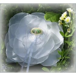 Poduszeczka ślubna na obrączki z odpinaną broszką