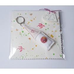 Breloczek z miniaturką w torebce prezentowej